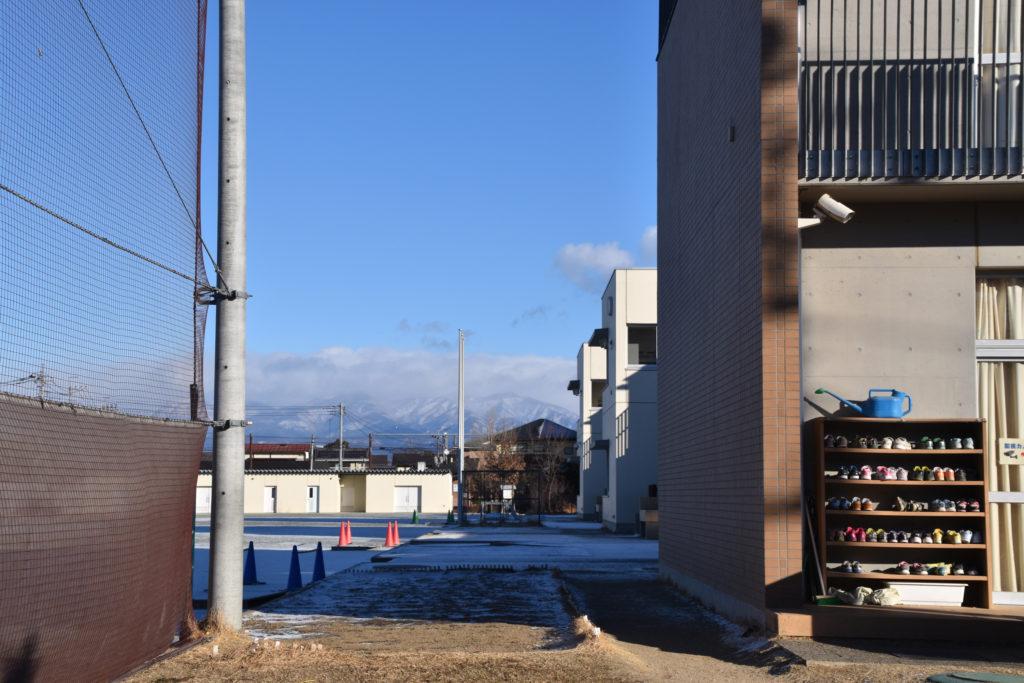 下駄箱と赤城山