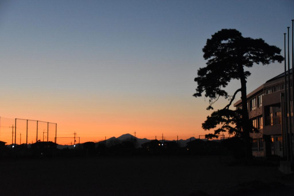 日暮れ_国定駅への道_01